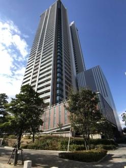 大阪福島タワーの外観