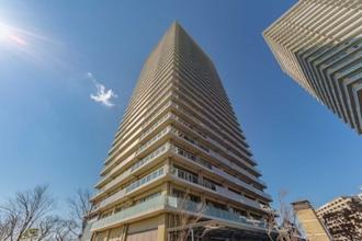 ザ・リバープレイスサウスタワーの外観