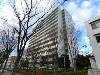 ニューシティ東戸塚アーバンハイツ丘の街6号棟の外観