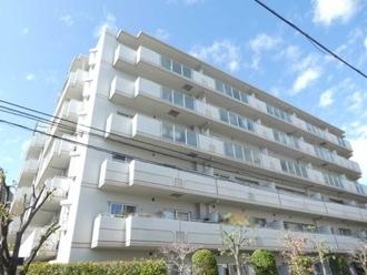 ステイツ吹田・千里丘弐番館の外観