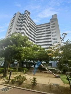 リバライン井高野三号棟の外観