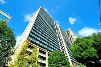カテリーナ三田タワースイートウエストアークの外観