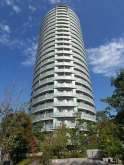 ドレッセ目黒インプレスタワーの外観