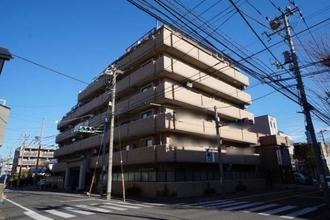 ライオンズマンション西新井高道公園の外観