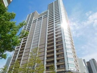 プラウドタワー武蔵浦和マークスの外観