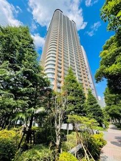 パークシティ武蔵小杉ザグランドウイングタワーの外観