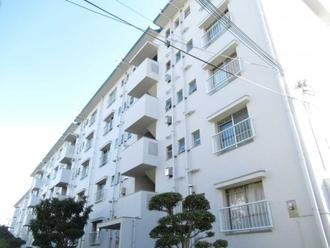 平田住宅19号棟の外観