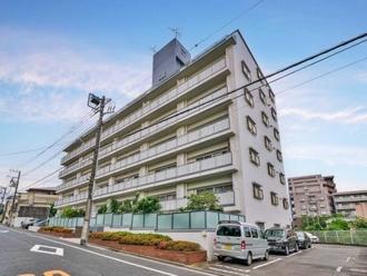 日商岩井弥生町マンションの外観