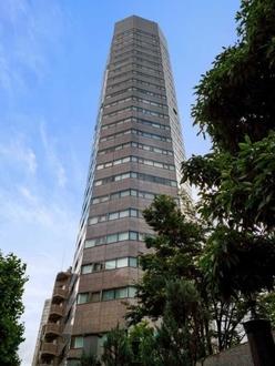 タワーレジデンス四谷の外観