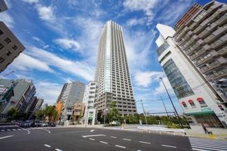富久クロス コンフォートタワーの外観