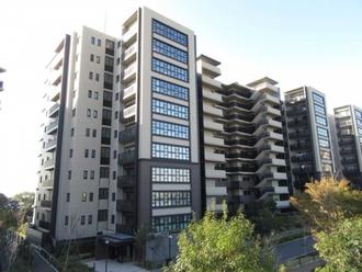 ブリリアシティ横浜磯子H棟の外観