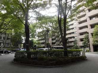 芦花公園プレスティージュの外観