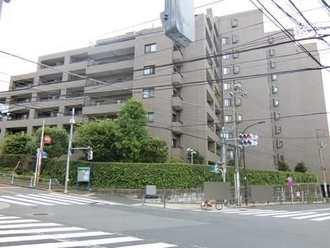 ファミールグラン三田伊皿子坂の外観