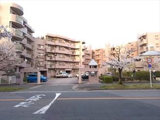 レジデンス香里ヶ丘中央の外観