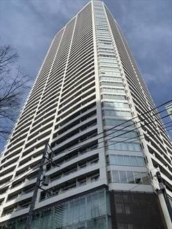 大阪ひびきの街ザ・サンクタスタワーの外観