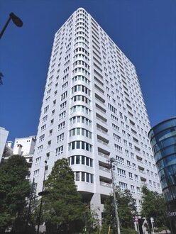 青山ザ・タワーの外観