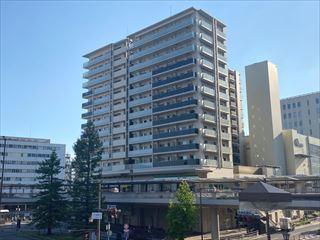 ローレルコート・クレヴィア尼崎駅前の外観
