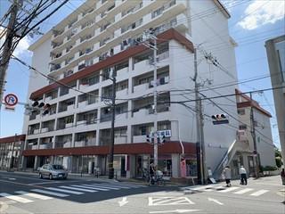 南桜塚ハイツの外観