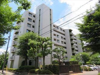阪急南茨木ハイタウン東奈良高層住宅の外観