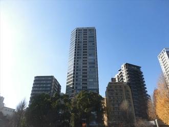 パークタワー上野池之端の外観