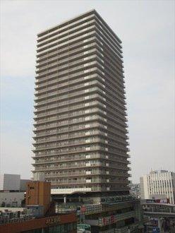 横浜ヘリオスタワーの外観