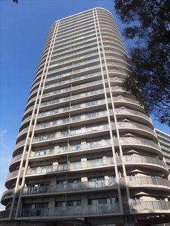 エスタテラ湘南台プラザタワーの外観