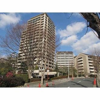 阪急ヒルズコート高槻7番館の外観