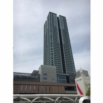 シエリアタワー千里中央の外観