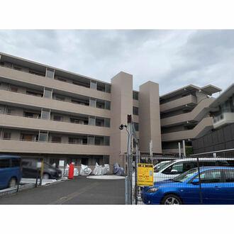 ルピナス横浜三ツ沢公園の外観
