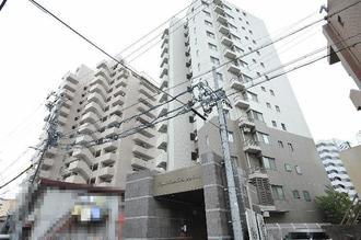 ロイヤルマンション新栄ヴァリエの外観