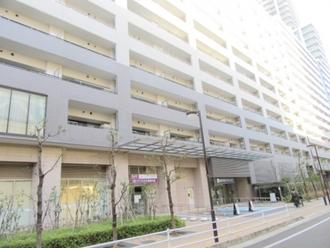 武蔵浦和SKY&GARDEN E棟の外観