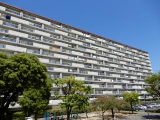 島田橋住宅3棟の外観