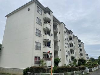 須磨一ノ谷グリーンハイツH棟の外観