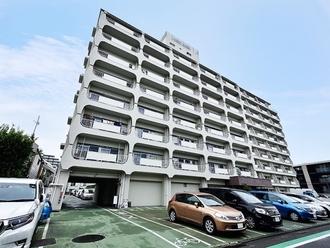 日商岩井方南町マンションの外観