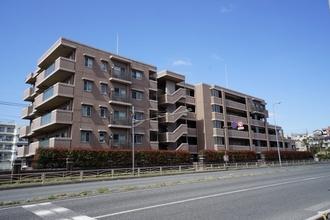 ナイスアーバンスクエア横濱東寺尾の外観