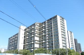 京橋グリーンハイツ一号棟の外観