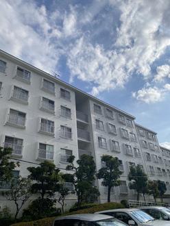 横浜ハイタウン3号棟の外観
