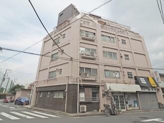 横浜スカイマンションの外観