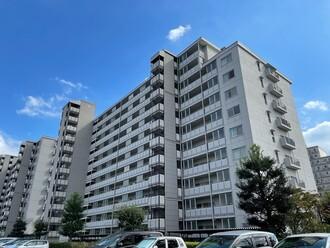 新松戸西パークハウスB棟の外観