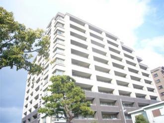 ルネ神戸住吉川清流の道の外観