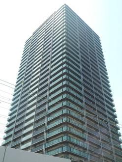 なんばグランドマスターズタワー(NAMBA GMT)の外観