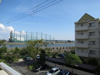 武庫川第二一番街八号棟の外観