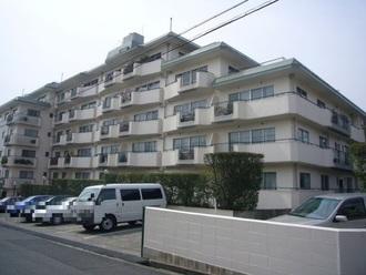 岡本センチュリーマンションの外観