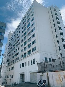 湊川公園ビルの外観
