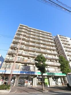 コスモ尼崎駅前通りの外観