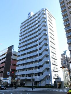 クラウンハイム尼崎昭和通の外観